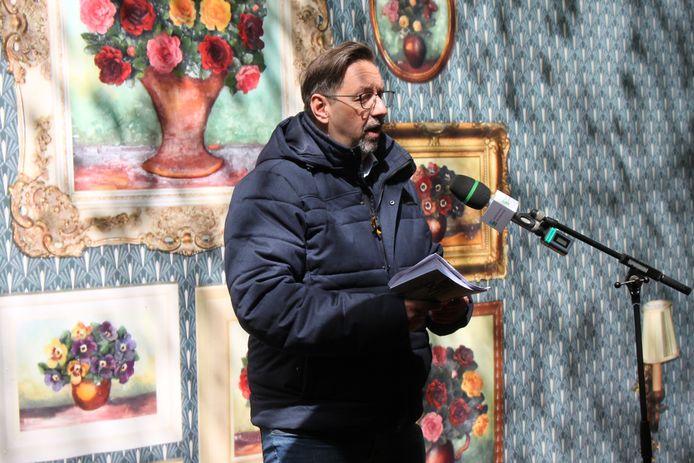 Voorzitter Oisterwijk Verbeeld(t) Kees van Dongen lanceert de met tweede route verrijkte wandelapp