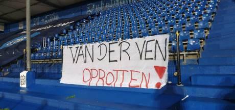 Boze fans hangen spandoek in stadion FC Den Bosch
