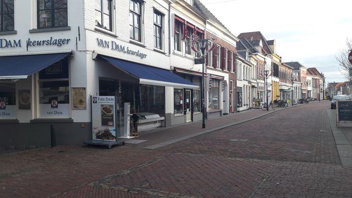 De stroomstoring trof onder andere de Laarstraat. Daar werd het rond 09.15 uur plotseling donker in diverse winkels, zoals slagerij Van Dam.