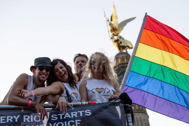 De holebigemeenschap in Duitsland viert de 40e verjaardag van de Berlijnse pride.  Beeld EPA