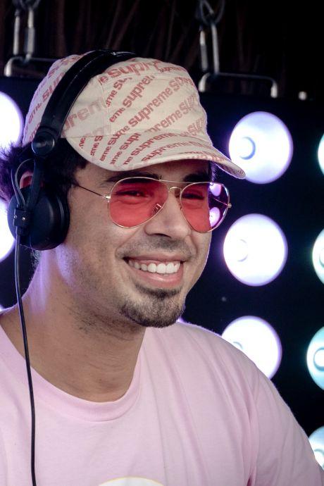 Afrojack en Johnny Logan treden op in virtuele Eurovision Village