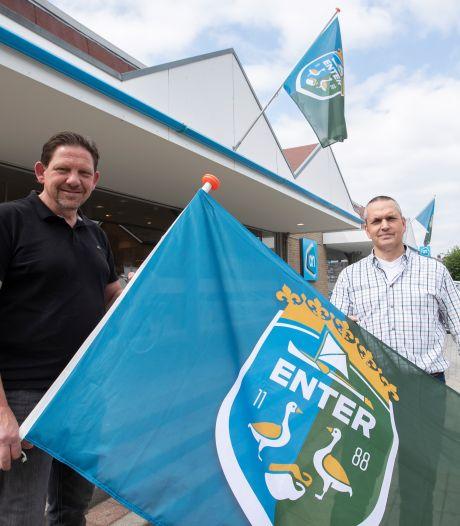 Enterse dorpsvlag nu ook in afwijkende formaten: 'Er was vraag naar'