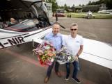 Oldenzaler in zelfgebouwd vliegtuig boven Twente