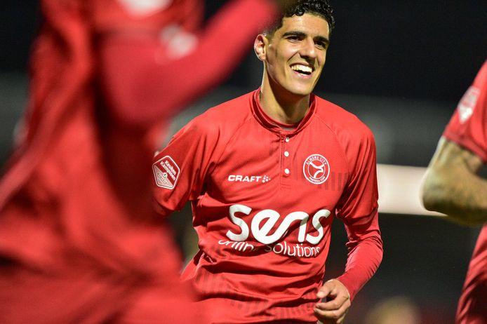 Oussama Bouyaghlafen in het shirt van Almere City. Vanavond keert hij voor het eerst na zijn vertrek bij FC Den Bosch terug in stadion De Vliert.