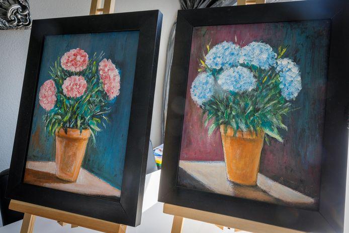Twee versies van van Abellah Zaki's boemenschilderij: een vrouwelijke en een mannelijke.