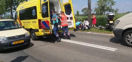 Jong kind wordt geschept na aanrijding met Picnic-bezorgwagen