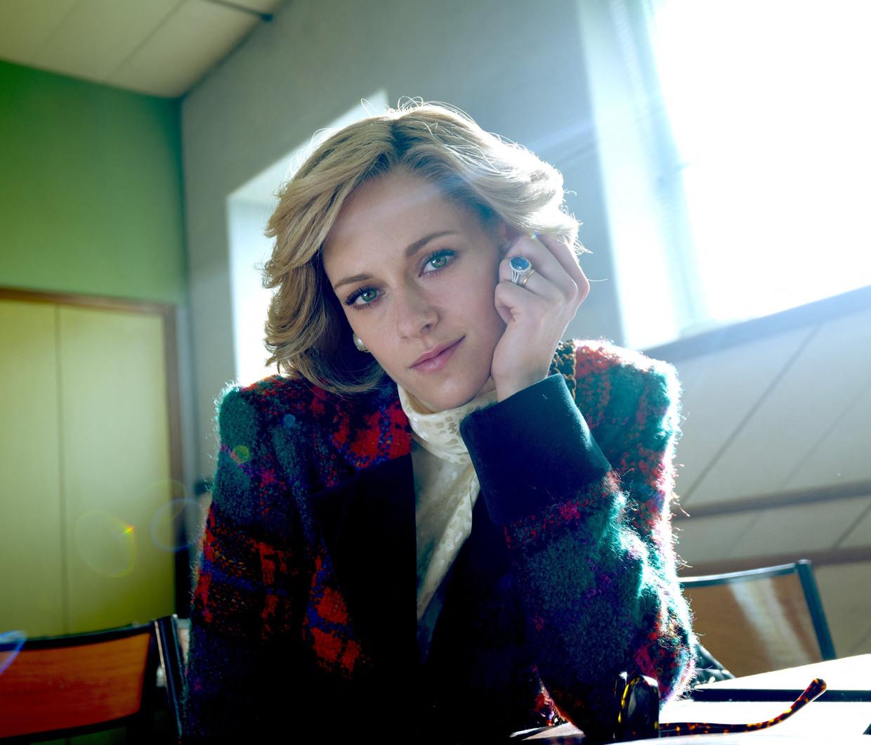 Kristen Stewart als prinses Diana in de biopic 'Spencer'.  Beeld Photo News