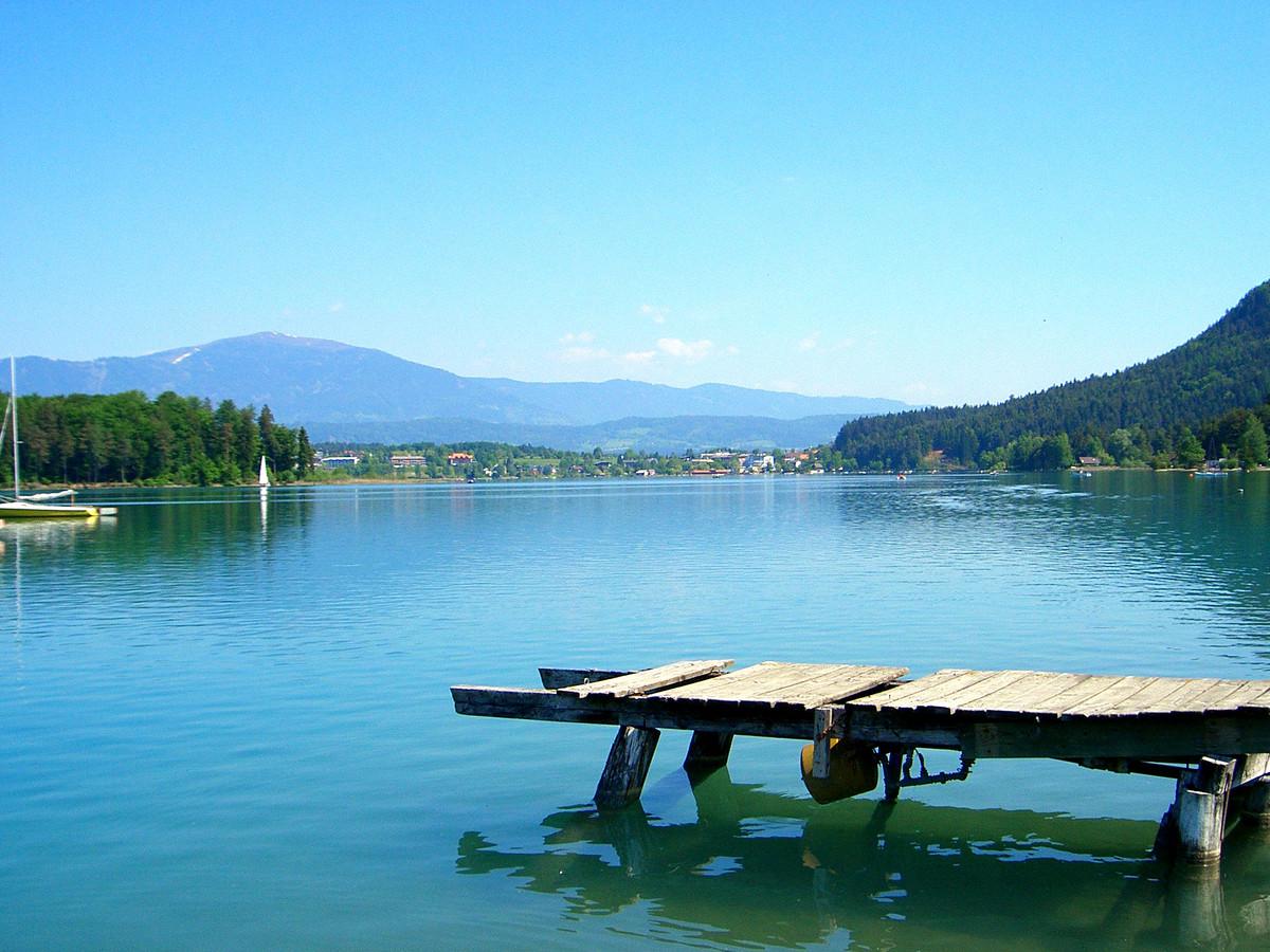 Het Faakmeer is erg in trek bij toeristen.