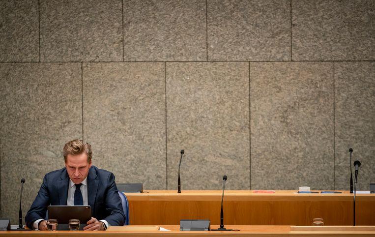 Hugo de Jonge van Volksgezondheid, Welzijn en Sport (CDA) tijdens het debat over corona.  Beeld Freek van den Bergh / de Volkskrant