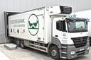 De Voedselbank West-Vlaanderen mocht hun vrachtwagen vullen met wildburgers.