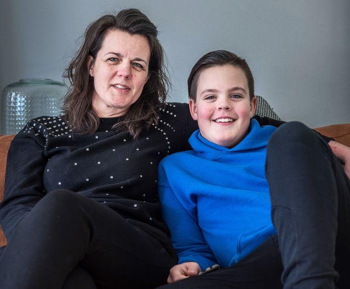 Mathilda met haar zoon Bram.