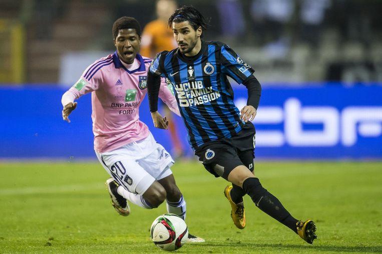 Ibrahim Conte en Lior Refaelov in duel. Beeld PHOTO_NEWS