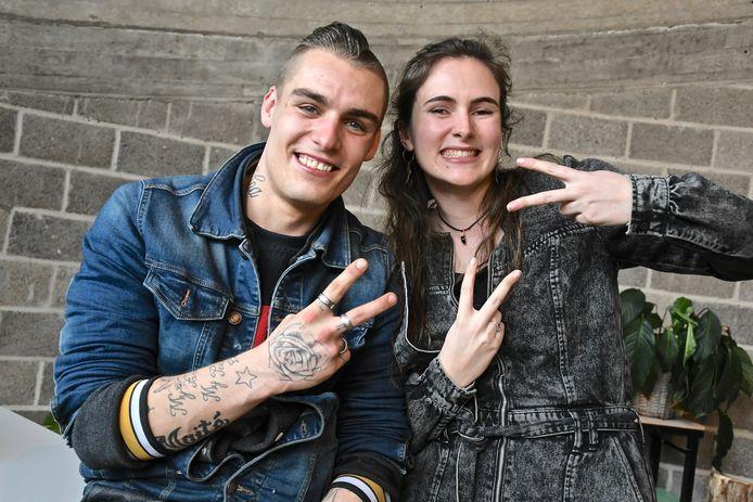 Tarsis Man (23), hier met zijn persoonlijke begeleidster Hanne.
