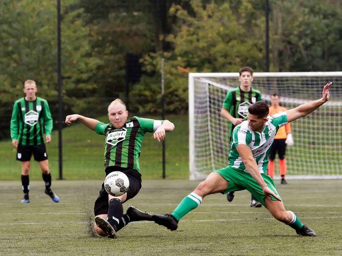 Voor WVV'67 (groen-zwart) en ODIO lijkt er een derde seizoen in vier jaar tijd op Zeeuws-Vlaamse bodem aan te komen. Drie clubs moeten van de KNVB meevoetballen met de elf overgebleven Zeeuws-Vlaamse vierdeklassers. (archieffoto)