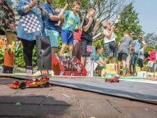 Straatracen in Wemeldinge met zelfgemaakte solar-auto's