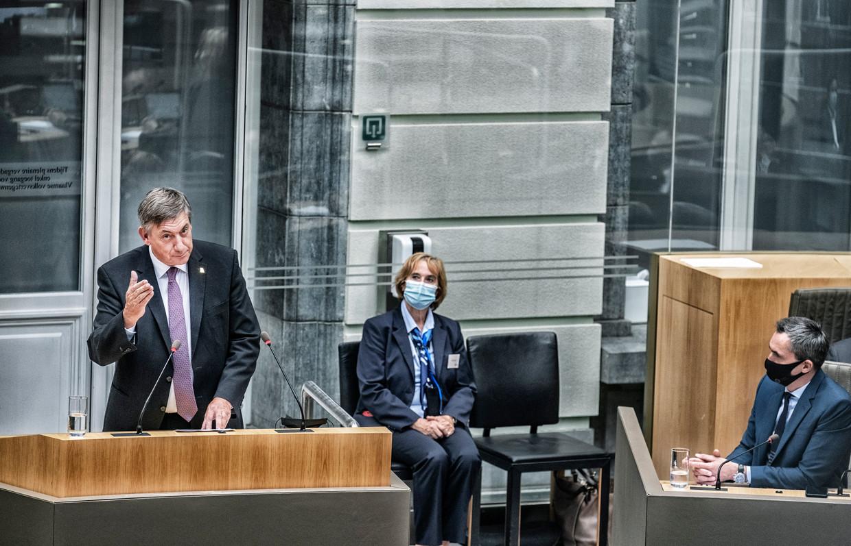Vlaams minister-president Jan Jambon (N-VA) houdt zijn Septemberverklaring in het Parlement. Beeld Tim Dirven