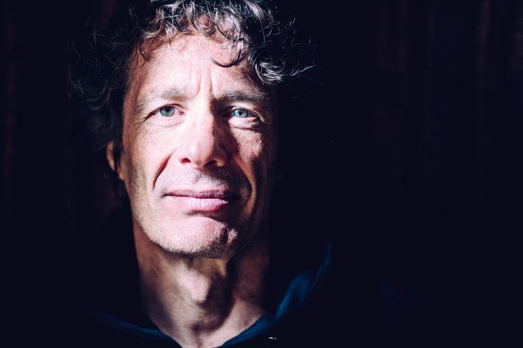 Dirk Draulans is bioloog, journalist en schrijver. Beeld Stefaan Temmerman
