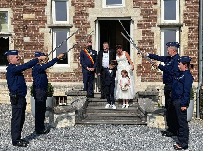 Tamara Vuchelen en Erik Claes gaven op het kasteel als eerste koppel het jawoord.