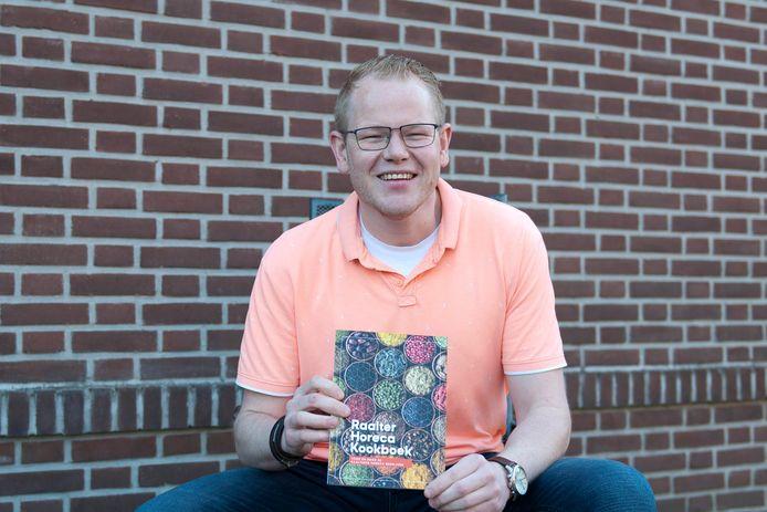 Sil Hoonhorst heeft een Raalter Horecakookboek gemaakt.