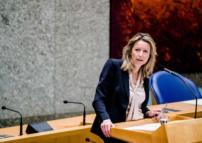 Minister Kajsa Ollongren: ,,Langer wachten op Grave is echt onwenselijk. Dan worden de andere gemeenten het slachtoffer van Grave en zou de impact op die vier gemeenten onevenredig groot zijn.''