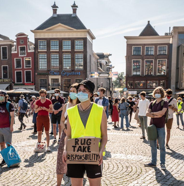 Bij 'de mars der daklozen' werd donderdag aandacht gevraagd voor het woningtekort in Groningen.  Beeld Harry Cock / de Volkskrant