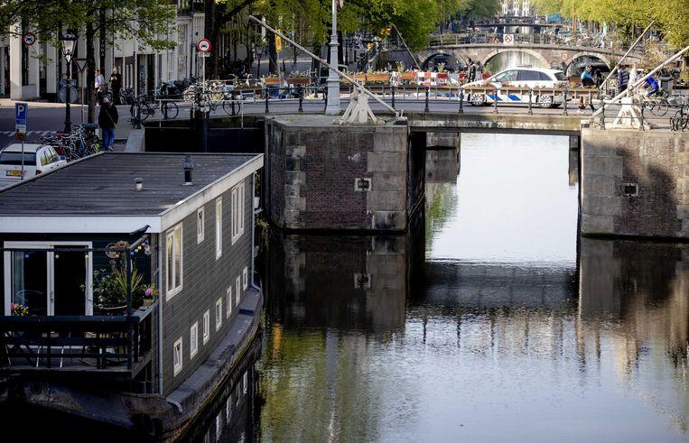 Koningsdag 2020: een vrijwel leeg centrum van Amsterdam.  Beeld ANP