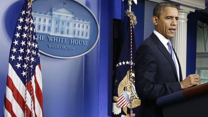 Barack Obama houdt een persconferentie over Sandy.