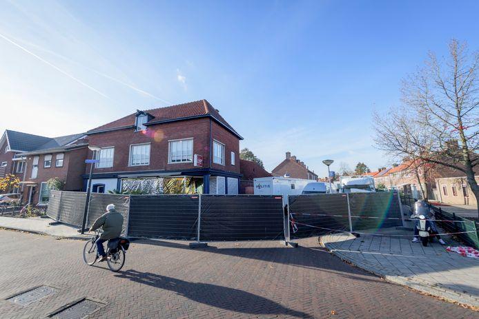 Plaats delict viervoudige moord aan de Van Leeuwenhoekstraat in Enschede