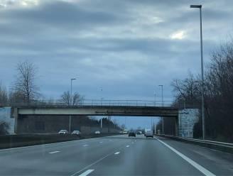 'Probleem'-brug over E40 in Erpe-Mere wordt eind 2022 afgebroken: verbindingsweg naar Aalst afgesloten tot halfweg 2024