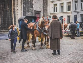 Paardenkoetsen even terug in Gent: internationale filmploeg strijkt neer voor opnames kinderserie
