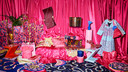 De kleurrijke KARISMATISK-collectie van Ikea in samenwerking met ontwerpster Zandra Rhodes.