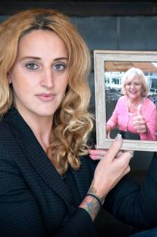 'Onze moeder wilde vechten tegen kanker, maar dat mocht niet meer van de artsen'