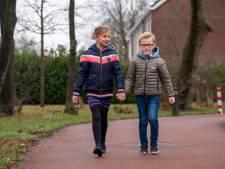 Stan en Amy (7) uit Elburg zijn al jaren verliefd en dus geven ze elkaar het ja-woord bij Winter in de Vesting