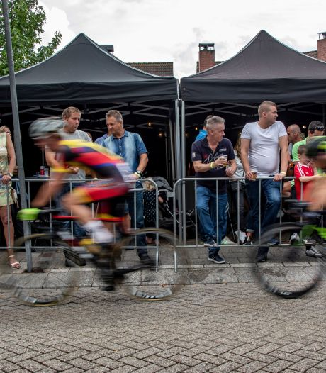 Onzekere periode voor Westlandse wielercriteriums: 'Nog zo'n zomer is onbespreekbaar'