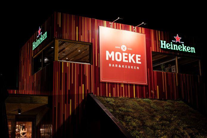 Restaurant Moeke aan de Lentseplas is op last van burgemeester Hubert Bruls van Nijmegen per direct gesloten.