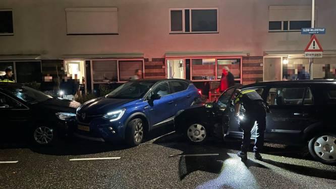 Politieachtervolging eindigt met crash in Leidse woonwijk