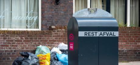 Hoogbejaarde vrouw vergeet een keer de vuilniszak: 150 euro boete
