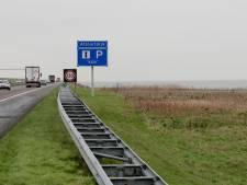 Botsing met meerdere voertuigen op Afsluitdijk: weg richting Noord-Holland afgesloten