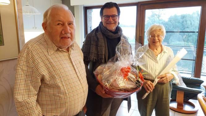 Willebroek schenkt ontbijtmanden aan 145 koppels met bijzondere huwelijksverjaardag