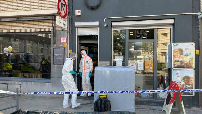 """Minstens 1 persoon zwaargewond na steekpartij in nachtwinkel op Kiel, dader nog op de vlucht: """"Ik probeerde hem tegen te houden, maar hij kon zich loswringen"""""""