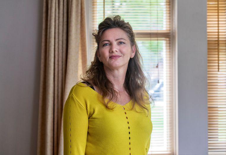 Irene Schipper is politicoloog en doet onderzoek naar het gedrag van multinationals, waaronder farmaceuten, bij Stichting Onderzoek Multinationale Ondernemingen.  Beeld Marco Okhuizen