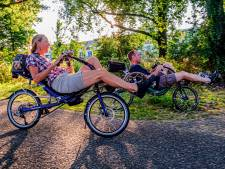 Petra en Ruud zijn fanatieke ligfietsers: 'Je krijgt geen zadelpijn'