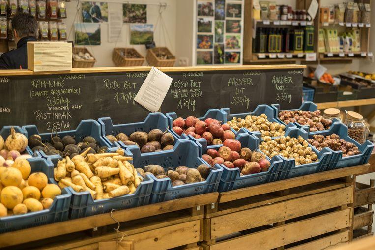 De groentewinkel van De Vroente in de Gentse Lousbergmarkt. Beeld rv