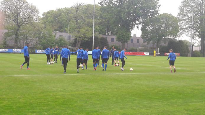 Willem II terug op het eigen trainingsveld in voorbereiding op de wedstrijd tegen Emmen.