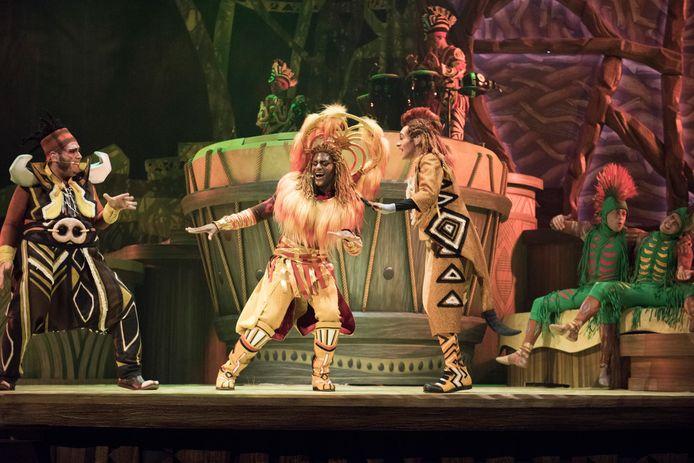 Momenteel loopt in Disneyland een magische show rond The Lion King.