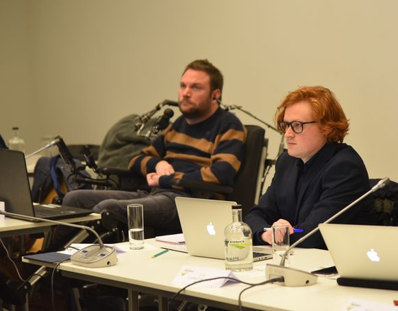 Timothy Rowies (rechts) is het eerste dove gemeenteraadslid in Hoeilaart en hoopt nu een zitje in het Vlaams parlement te bemachtigen.