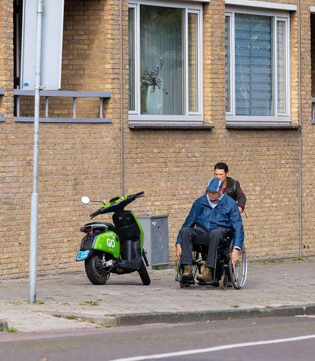 Waalwijk legt rode loper uit voor de overlastgevende deelscooter; 'Niet alleen maar zuur doen!'