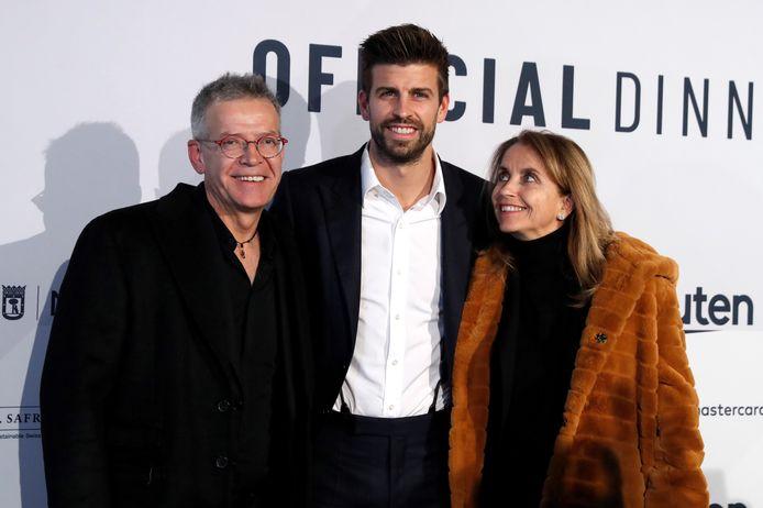 Gerard Piqué met zijn ouders Joan en Montse.