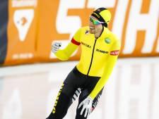 Roest soeverein naar baanrecord op 5000 meter, ook WK-tickets voor Kramer en Bergsma