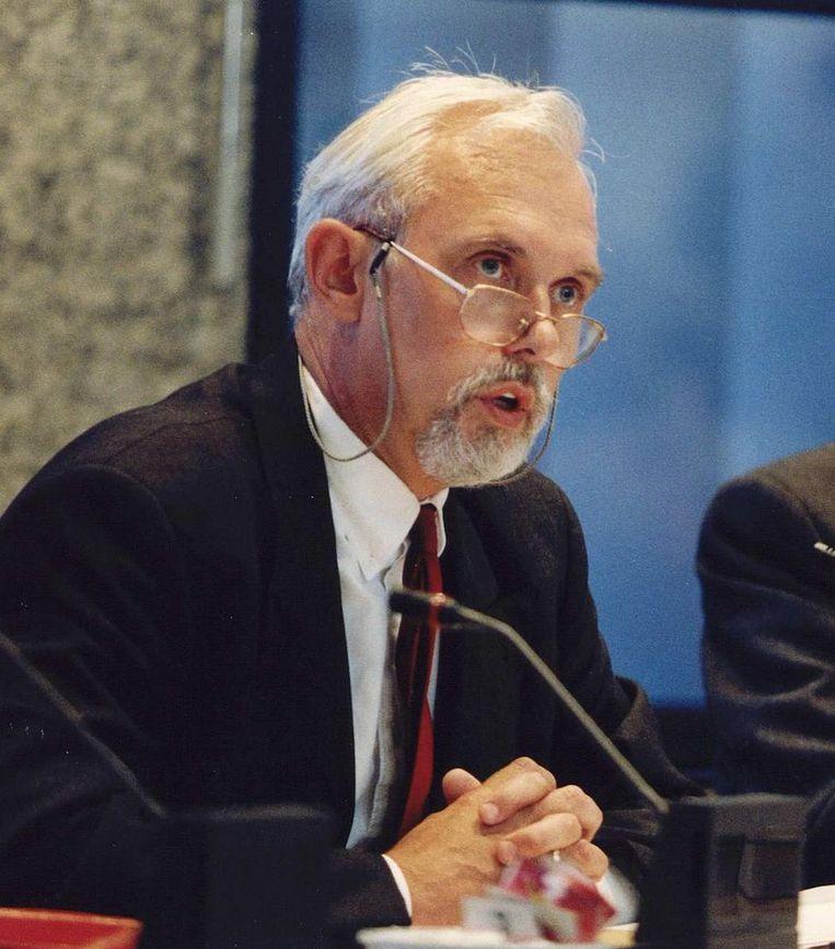Roel in 't Veld (PvdA) in 1993 als staatssecretaris van Onderwijs. Beeld anp
